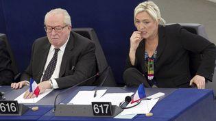 Jean-Marie Le Pen et Marine Le Pen, au Parlemet européen à Strasbourg, le 5 février 2013. (FREDERIC MAIGROT / REA)