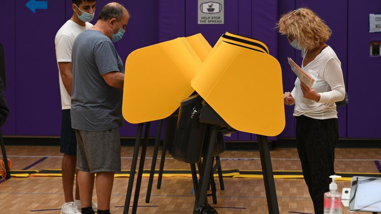 Vote par anticipation à Beverly Hills, en Californie (Etats-Unis) le 30 octobre 2020 (ROBYN BECK / AFP)