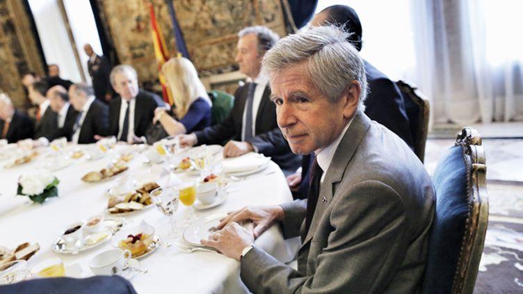 (Alain Minc, économiste et essayiste, reçoit le prix 2016 du livre politique © SIPA)