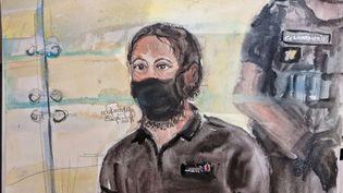 Salah Abdeslam dans le box des accusés lors du procèsdes attentats du 13-Novembre, à Paris, le 8 septembre 2021. (ELISABTEH DE POURQUERY / FRANCE TELEVISIONS)