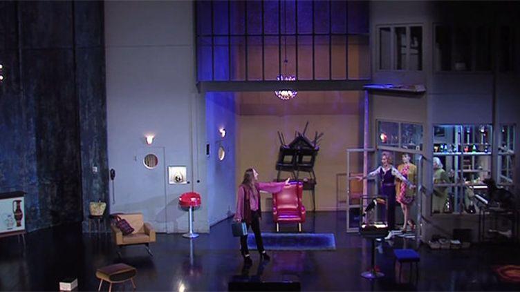 """Scène de """"Trissotin ou Les femmes savantes""""  (Capture d'écran YouTube / Théâtre de la Criée)"""
