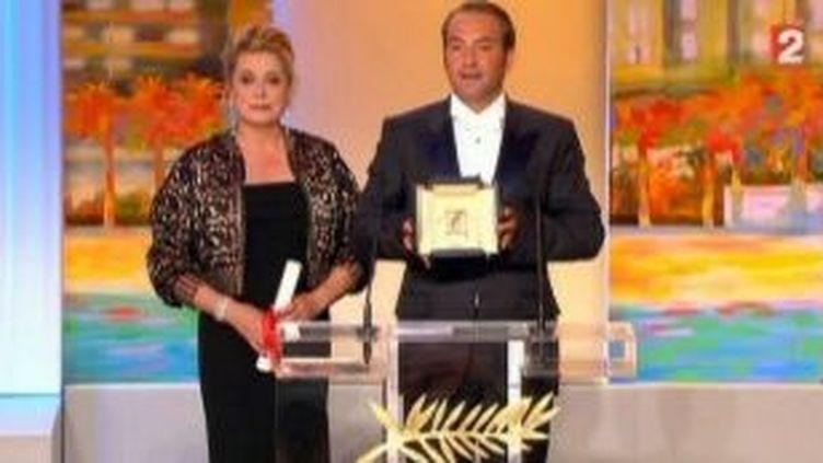 """Le prix d'interprétation masculine à Jean Dujardin pour """"The Artist""""  (Culturebox)"""