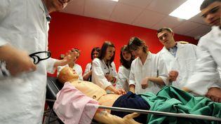 Etudiants en faculté de médecine (photo d'illustration) (PHILIPPE BRIQUELEUR   / MAXPPP)