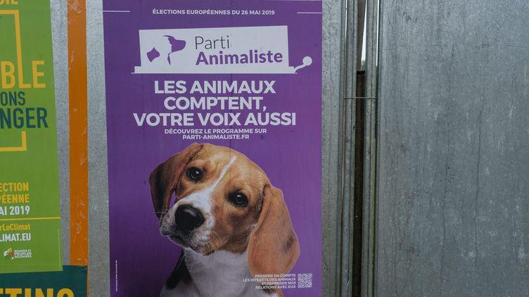 Une affiche électorale du Parti animaliste dans la région des Pays de la Loire, le 18 mai 2019. (MAXPPP)