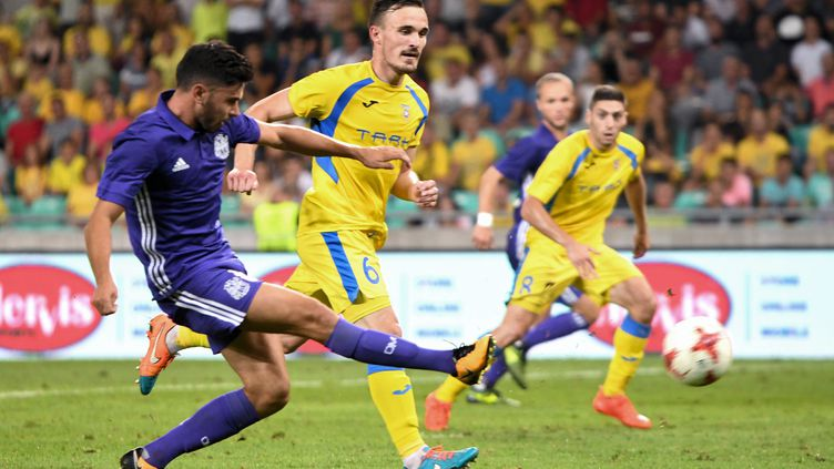 L'OM doit confirmer son résultat à domicile pour atteindre les poules de la Ligue Europa (BORUT ZIVULOVIC / AFP)