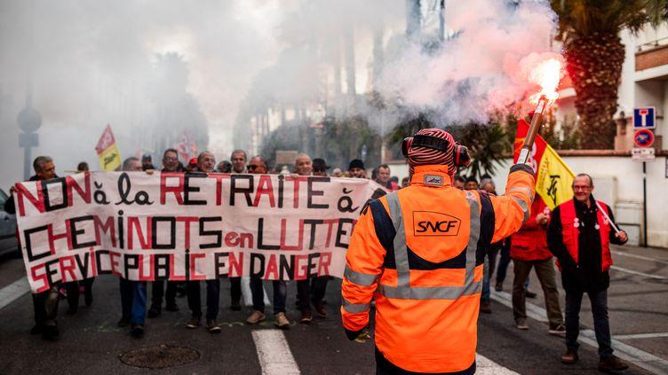Lors de la journée de mobilisation contre les retraites à Perpignan (Pyrénées-Orientales), le 16 janvier 2020. (JC MILHET / HANS LUCAS)