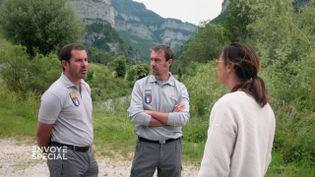 """""""On a eu le sentiment de ne pas être pris au sérieux"""" : des inspecteurs de l'environnement indignés par l'accueil qu'ils ont reçu chez Lactalis (ENVOYÉ SPÉCIAL  / FRANCE 2)"""
