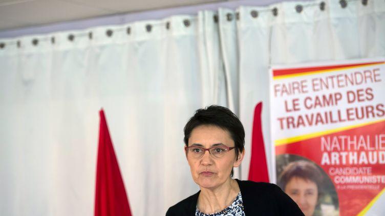 Nathalie Arthaud, candidate à l'élection présidentielle, lors d'une conférence de presse à Marseille, le 8 avril 2017. (BERTRAND LANGLOIS / AFP)