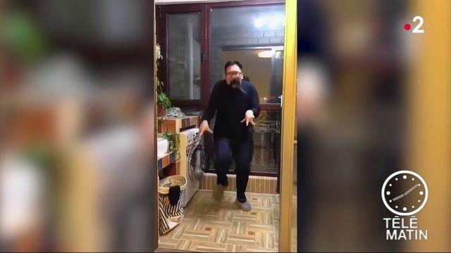 Chine : des hommes filmés en train de danser deviennent des stars sur les réseaux sociaux