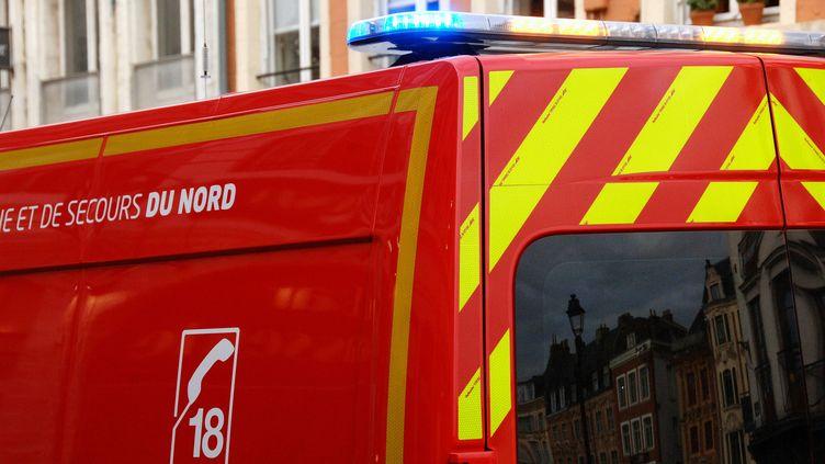 Un camion de pompiers à Lille. (Illustration). (SEBASTIEN JARRY / MAXPPP)