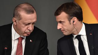 Les présidents turc et français, Recep Tayyip Erdogan et Emmanuel Macron, à Istanbul, le 27 octobre 2018. (OZAN KOSE / AFP)