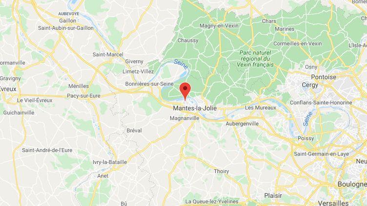 Les échauffourées ont eu lieu dans le quartier du Val Fourré à Mantes-la-Jolie. (GOOGLE MAPS / FRANCETV INFO)