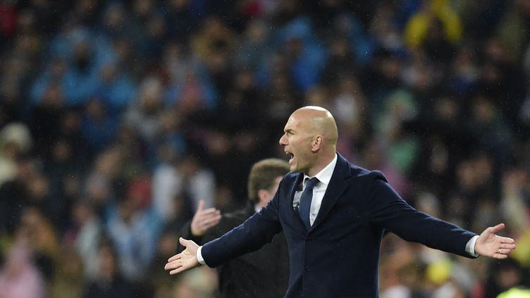Zinedine Zidane lors du quart de finale retour face à Wolfsburg (JAVIER SORIANO / AFP)