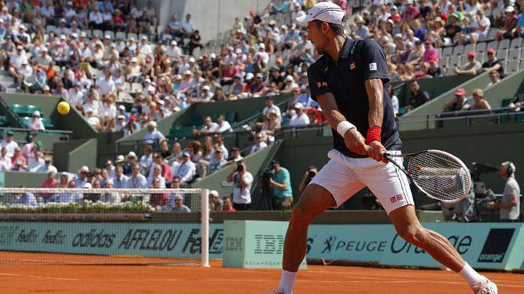 Djokovic peut respirer après s'en être sorti dans la douleur