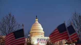 Le Capitole à Washington, avant l'investiture de Joe Biden, en janvier 2021. (ROBERTO SCHMIDT / AFP)