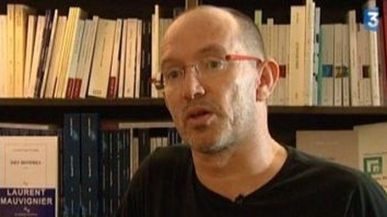 """Laurent Mauvignier parle de son dernier roman: """"Des hommes""""  (Culturebox)"""