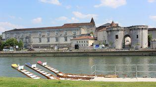 Balade sur les quais de la Charente, à Cognac. (DESTINATION COGNAC)