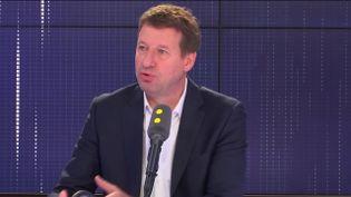 """Yannick Jadot, tête de liste Europe Écologie-Les Verts aux élections européennes, invité du """"8h30 Fauvelle-Dély"""", lundi 6 mai 2019. (FRANCEINFO / RADIOFRANCE)"""