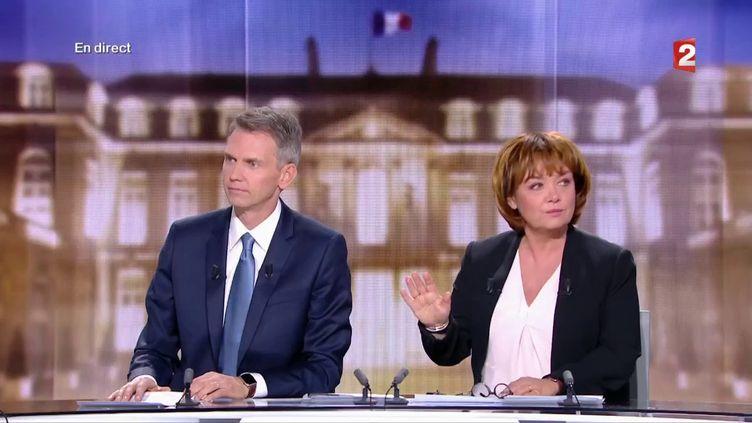 Christophe Jakubyszyn et Nathalie Saint-Cricq, les animateurs du débat de l'entre-deux-tours de l'élection présidentielle, le 3 mai 2017 sur France 2. (FRANCE 2)