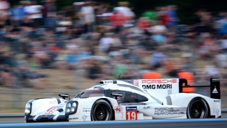 Tout réussi à la Porsche 919 Hybrid N.19 dans ces 24 Heures du Mans 2015 (JEAN-FRANCOIS MONIER / AFP)