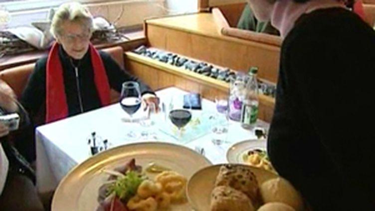 Christine Lagarde a demandé mercredi aux restaurateurs de baisser leurs prix en échange de la réduction de la TVA (© France)