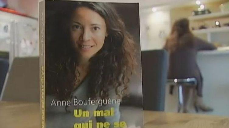 """""""Un mal qui ne se dit pas"""" d'Anne Boufergueneaux Editions Robert Laffont. (Vidéo: Florence Bouquillat et Claire-Marie Denis / France 2)"""