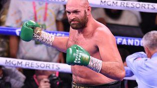 """Tyson Furyestime être""""le plus grand combattant de (son) époque"""", après sa victoire face à Deontay Wilder et la conservation de son titre WBC des poids lourds, dimanche 10 octobre 2021 Las Vegas. (ROBYN BECK / AFP)"""