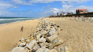 Une plage de Lacanau (Gironde), le 7 juin 2018. (NICOLAS TUCAT / AFP)