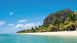 """La plage de l'hôtel """"Lux le Morne"""" à l'île Maurice. (COMMONS WIKIMEDIA)"""