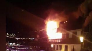 Un immeuble incendié à COurchevel (Savoie) le 20 janvier 2019 (CAPTURE ECRAN FRANCE 2)