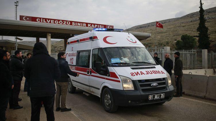 Des blessés d'Alep, comme ici le 17 décembre, ont pu rejoindre des hôpitaux en Turquie où ils témoignent de l'enfer vécu dans la ville syrienne (EMRAH GUREL/AP/SIPA / AP)