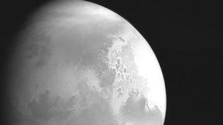 Première image de la planète Mars capturée par la sonde chinoise Tianwen-1, et rendue publique le 5 février 2021. (XINHUA / AFP)