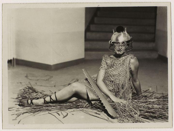 """Man Ray """"Bal au château des Noailles""""vers 1929 (Man Ray 2015 Trust / Adagp, Paris 2020)"""