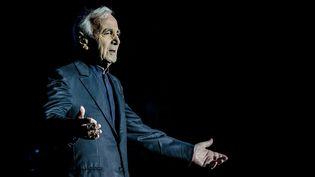 Charles Aznavour sur scène le 13 novembre 2017 à Milan (italie). (SERGIONE INFUSO - CORBIS / CORBIS ENTERTAINMENT)