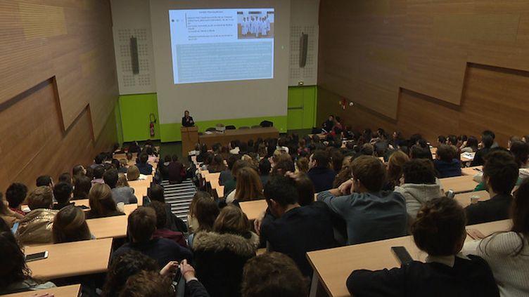 Concours de médecine : les étudiants de Lyon devront repasser leur examen