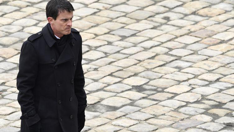 Manuel Valls lors de l'hommage national aux victimes des attaques du 13 novembre aux Invalides, à Paris, le 27 novembre 2015. (MIGUEL MEDINA / AFP)