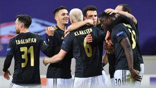 L'équipe de l'Ajax Amsterdam a affronté Lille, en seizième de finale de la Ligue Europa, le 18 février 2021. (DENIS CHARLET / AFP)