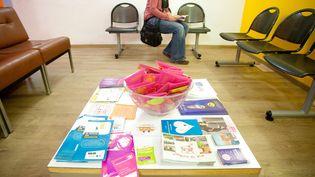 Dans une salle du Planning familial àMarseille (Bouches-du-Rhône), le 10 octobre 2011. (MAXPPP)