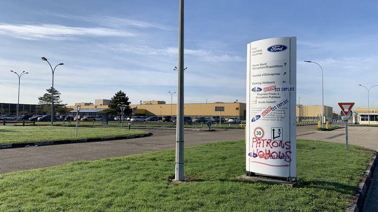 L'entrée du site Ford à Blanquefort (Gironde),usine qui doit fermer ses portes en août 2019. 11 décembre 2018. (ALEXANDRE BARLOT / RADIO-FRANCE)