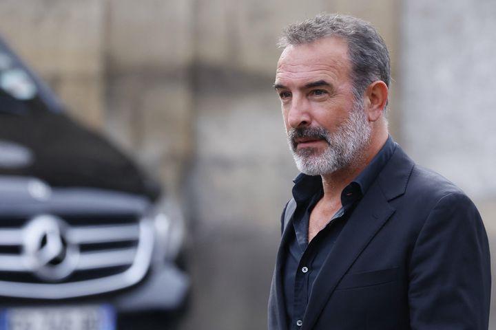 L'acteur Jean Dujardin aux obsèques de Jean-Paul Belmondo, le 10 septembre 2021 à Paris (THOMAS SAMSON / AFP)