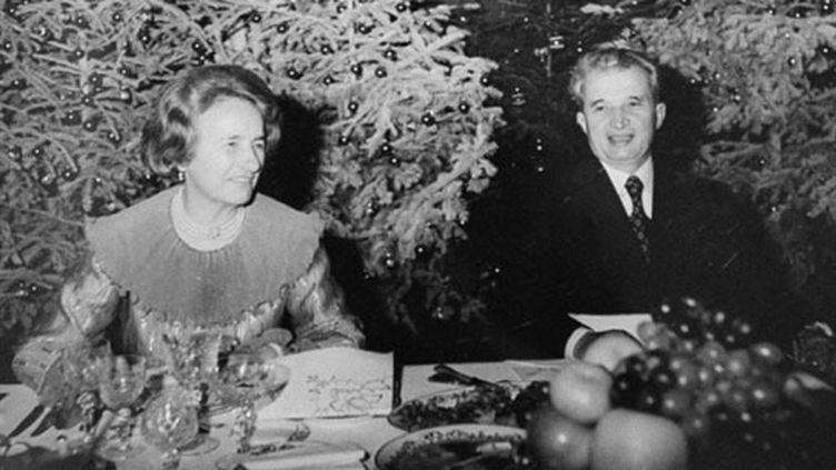 Nicolae Ceausescu et sa femme Elena en décembre 1981 (AFP)