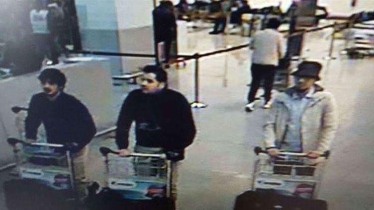"""(Mohamed Abrini a avoué samedi soir être """"l'homme au chapeau"""", le troisième suspect de l'aéroport international de Bruxelles-Zaventem qui s'est enfui le 22 mars avant que ses avant que ses deux complices ne lancent la double attaque-suicide d© AP/SIPA)"""