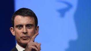 Manuel Valls le13 avril 2016 à Vaulx-en-Velin (Rhône) (PHILIPPE DESMAZES / AFP)