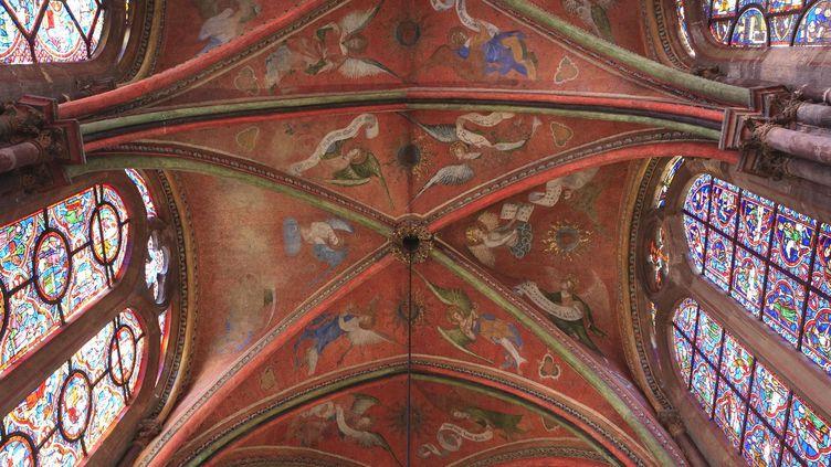 Dans la cathédrale du Mans, des anges jouent de la musique  (Patrick Escudero /AFP)