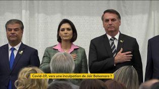 Jair Bolsonaro est très critiqué au sujet de sa gestion de l'épidémie de coronavirus au Brésil. (FRANCEINFO)