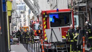 Les sapeurs-pompiers de Paris en intervention, le 14 février 2018. (JULIEN MATTIA / NURPHOTO / AFP)