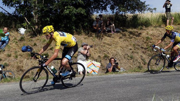 Chris Froome et Alberto Contador dans la descente vers Gap (JOEL SAGET / AFP)