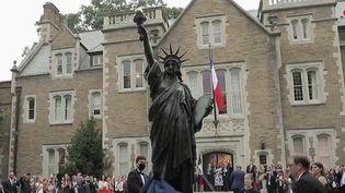 Etats-Unis: une version miniature de la Statue de la Liberté inaugurée à Washington (FRANCE 2)