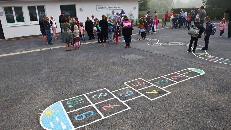 Une cour d'école du Nord, à la rentrée scolaire 2013. (MAXPPP)