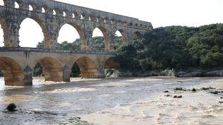 Le Pont du Gard n'a pas été épargné par la crue du Gardon (Gard), le 10 octobre 2014. (MAXPPP)